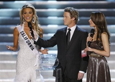 miss-california-anwsering-the-question.jpg