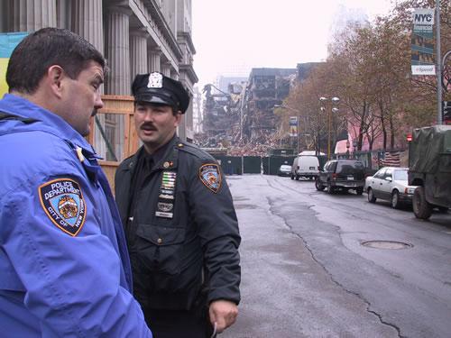 nyc_cops_at_ground_zero.jpg