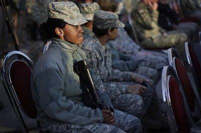 woman-soldier-with-gun.jpg