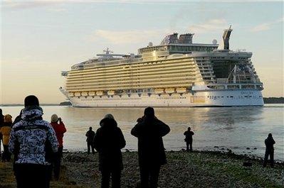 worlds-largest-cruise-ship.jpg