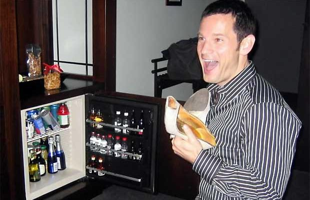 guy-with-mini-bar.jpg
