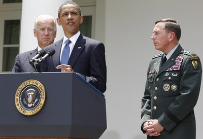 obama-with-general.jpg