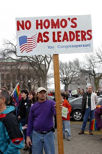 protester-gays.jpg