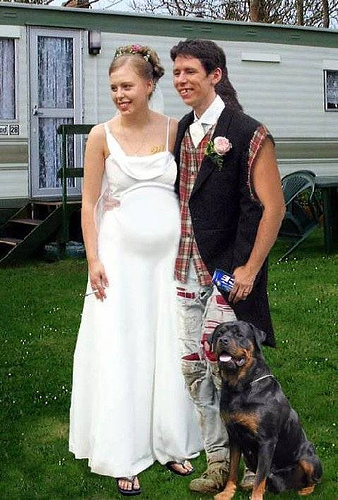 pregnant-redneck-couple.jpg