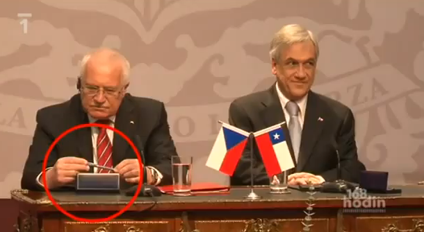 czech-president-with-pen.png