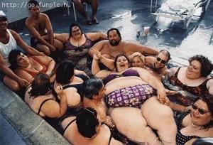 Fat-Family-in-hot-tub-300x204.jpg
