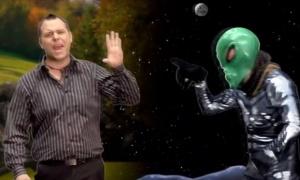 Alien Fist bump