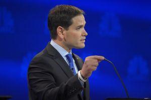 Rubio pointing agressively