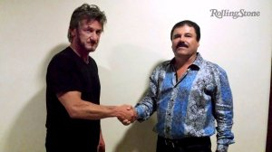 """Undated Rolling Stone handout shows actor Sean Penn shaking hands with Mexican drug lord Joaquin """"Chapo"""" Guzman in Mexico"""