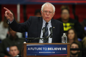 Bernie Sanders stops in Edwardsville Illinois